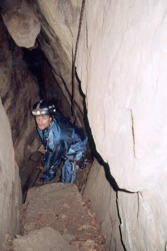 J. - Bílá jeskyně 05_tn+